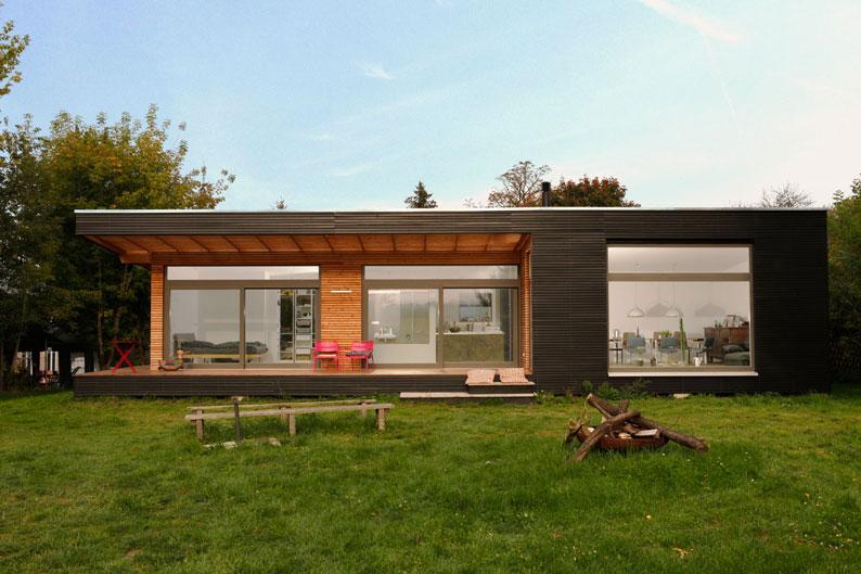 Helle Räume und eine überdachte Terrasse