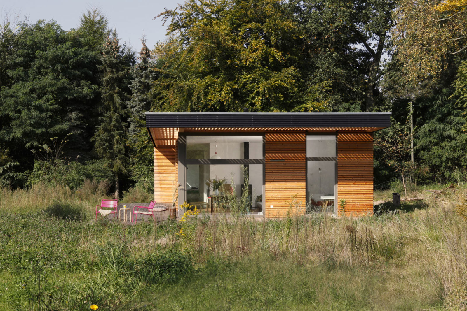 Modernes Fertighaus im Bauhausstil